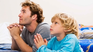 DadSonPraying